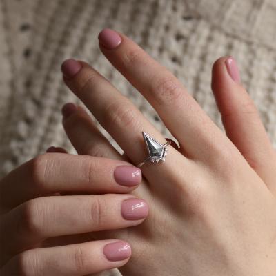 Kite salt and pepper diamond ring in cluster style EININ