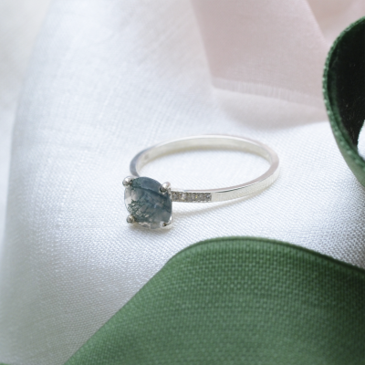 Engagement ring with moss agate and diamonds FIADH