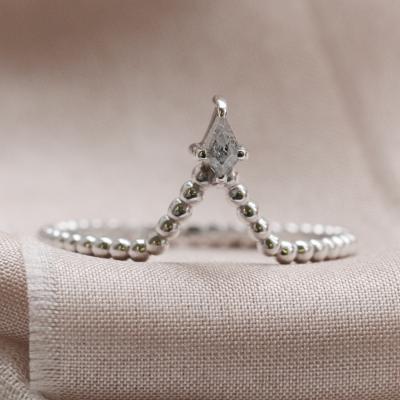 Salt and pepper diamond V stacker ring ISOLDE