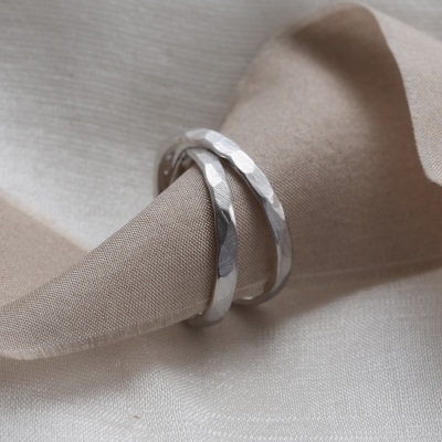 Matte gold wedding bands with hammered surface ETAIN