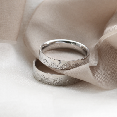 Wedding bands with mountains engraving and diamond HIKE
