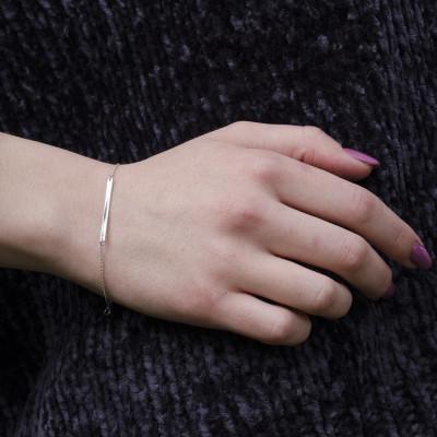 Minimalist silver bracelet with engraving Plofi