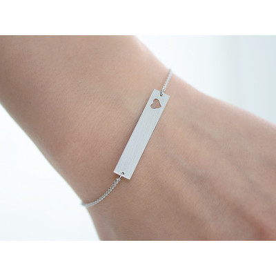 Minimalist silver bracelet with engraving and little heart Renma