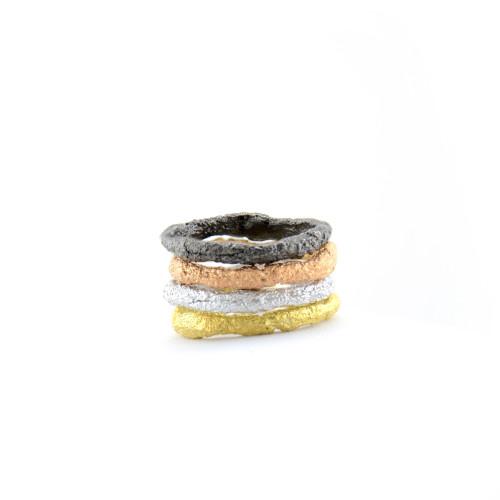 Minimalist  gold streaking rings FLATEN