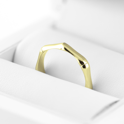 Solid gold geometric ring KVAL