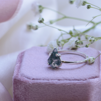 Minimalist gold ring with moss agate BERTA