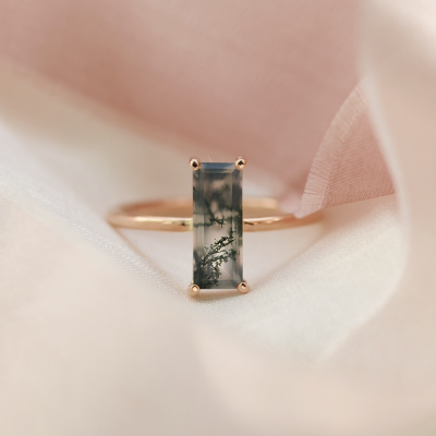 Gold ring with moss agate MOS