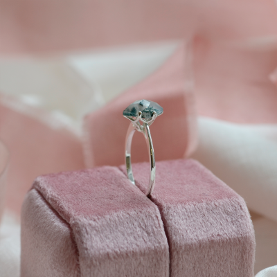 Gold ring with square moss agate OLLY