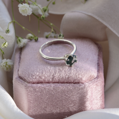 Minimalist gold ring with moss agate STAMI