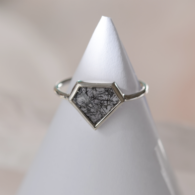 Zlatý minimalistický prsten s rutil quartzem ALMONTE