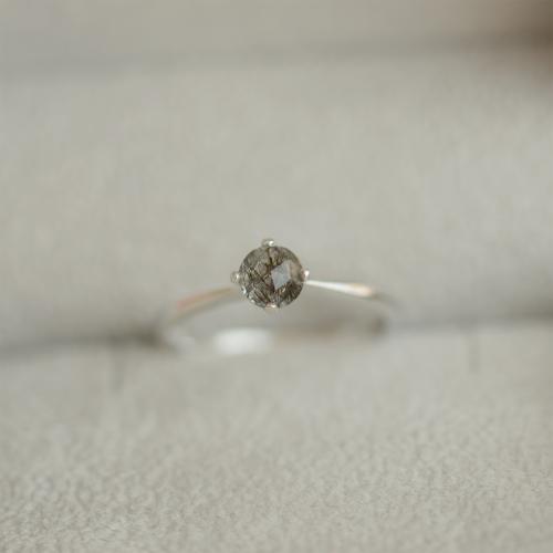 Gold ring with rutile quartz BURGO