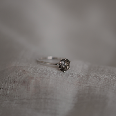 Rutile quartz gold ring OLLY
