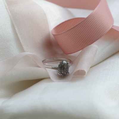 Minimalist ring with oval rutil quartz and diamonds ROXANE