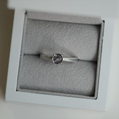 Zlatý prsten s rutil quartzem ve viktoriánském stylu STAI