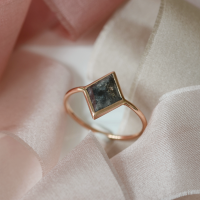 Originální prsten s diamantem salt and pepper 1.3ct ADEL