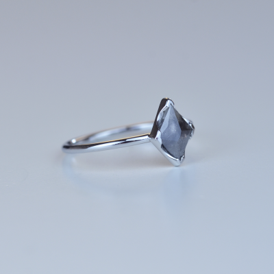 ERICA gold diamond  0.51 Ct ring in an authentic cut