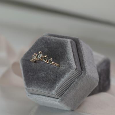 Slightly curved salt and pepper diamond ring FERO