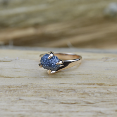 Gold ring with raw diamond  3.72ct HORME