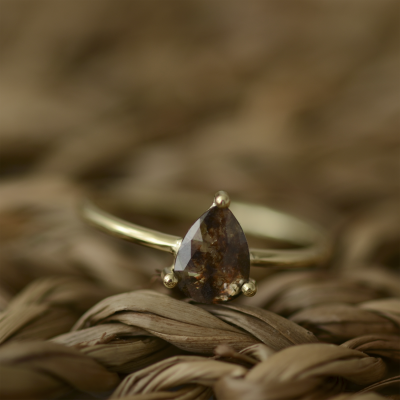 Minimalist ring with pear salt and pepper diamond 0.49ct REVER