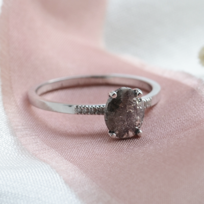 Gold ring with oval salt and pepper diamond ROXANE