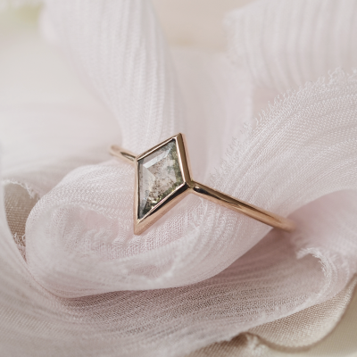 Solid gold ring with salt and pepper diamond 0.44ct STEW