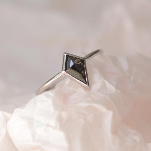Kite salt and pepper diamond ring 1.2 ct TAPA