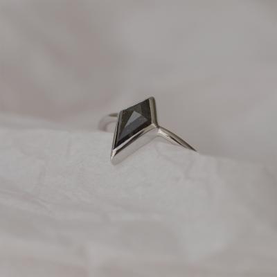 Originální prsten s diamantem salt and pepper 1.2 ct TAPA