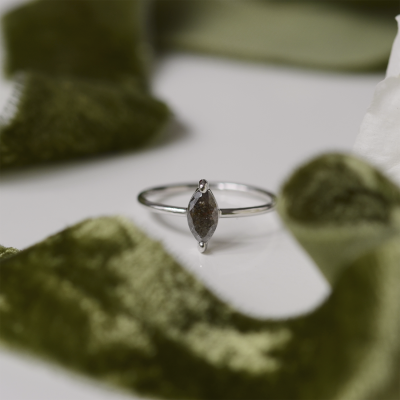 UNQE gold diamond ring 0.63 Ct