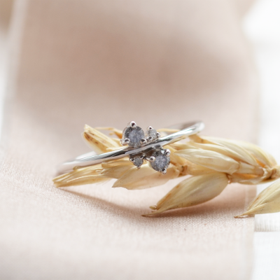 Gold cluster ring with salt and pepper diamonds BENNY