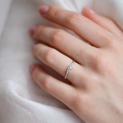 Zlatý minimalistický prstýnek s diamanty CLUSTER