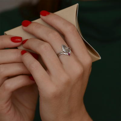 Zlatý diamantový prsten s rubínem CROWN