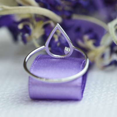 Gold minimalistic teardrop ring with diamond DAYSI