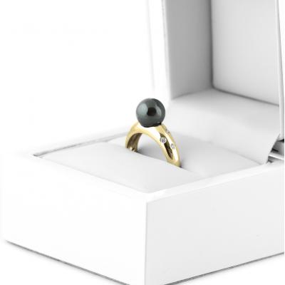 Prsten s hematitem a diamanty DOGA