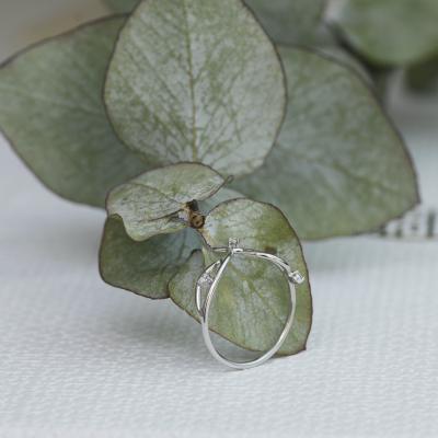 Gold minimalist leaf ring with diamonds DOFA