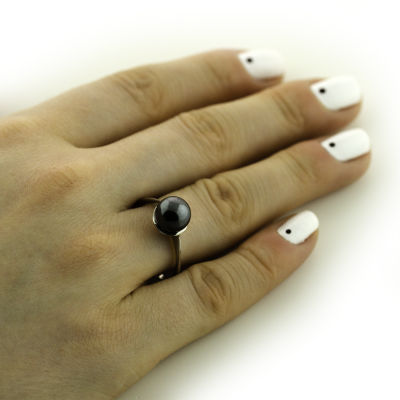 Gold ring with hematite - Fia