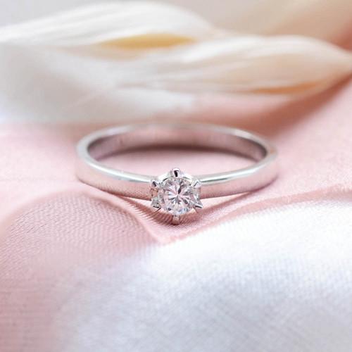 Zásnubní prsten z bílého zlata s diamantem 0.2ct FISKA
