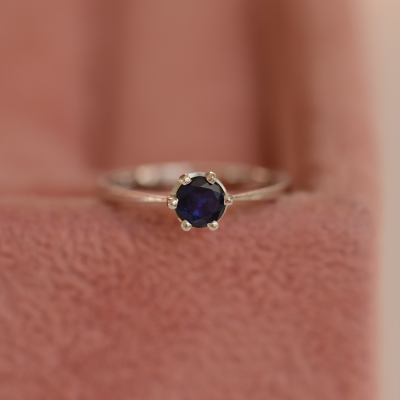 Unique gold ring with sapphire 0.5ct FLORA