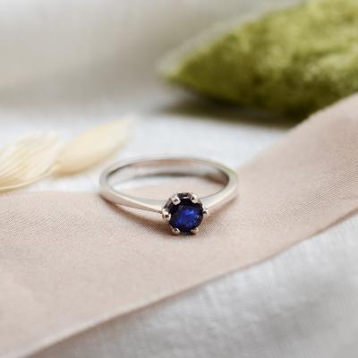 Unikátní zlatý prsten se safírem 0.5ct FLORA