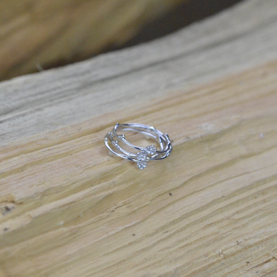Solid gold daisy ring FLOWE