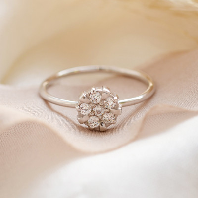 GRAC silver flower shape ring