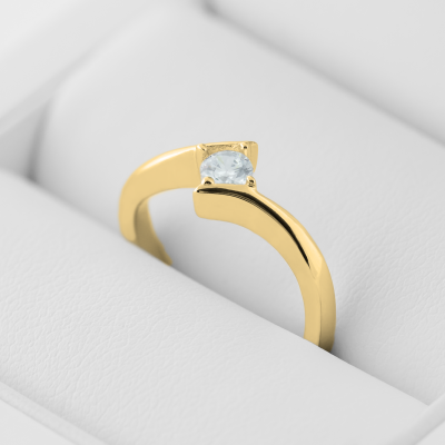 GRESE sophisticated gold diamond engagement ring