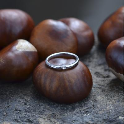 Jednoduché zlaté snubní prsteny s diamantem HAMEN