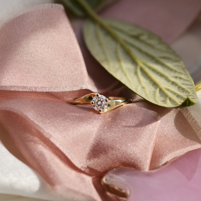 Gold ring with moissanite 0.5ct JURE