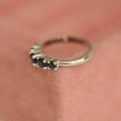 Zlatý prsten osazený safíry NIKKI