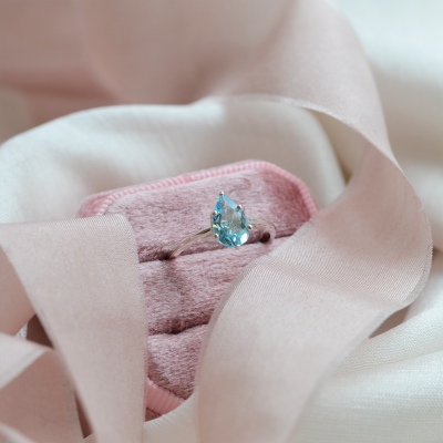 Gold ring with blue topaz OLLY