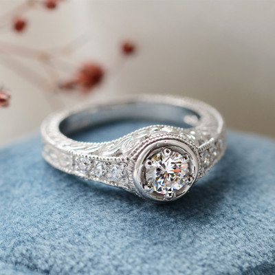 Vintage ring with diamonds 0.68ct OSLO