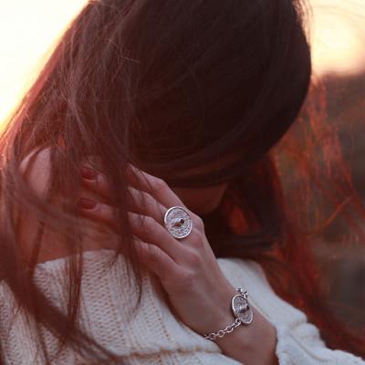 Prsten ve stylu mayského kalendáře s českým granátem nebo zirkonem OTRA