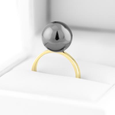 Minimalist ring with hematite RENA