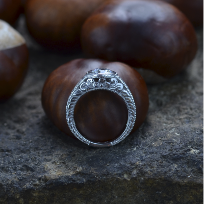 Vintage prsten s moissanitem a diamanty SOLA