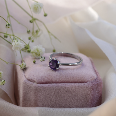 Minimalist gold ring with amethyst STAMI
